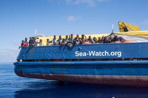 Sea-Watch & IUVENTA - Herausforderungen und Kriminalisierung in der zivilen Seenotrettung @ Vortragsraum 2
